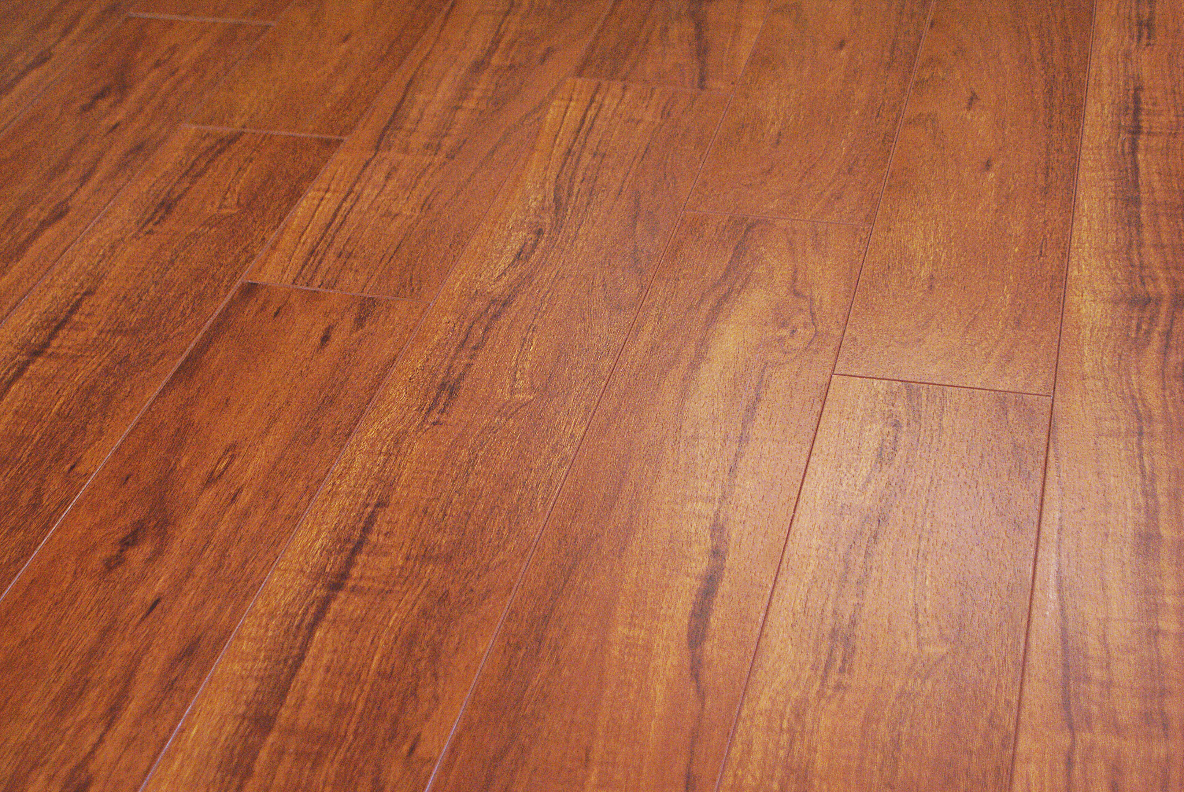 Parkay classic sapelli 8 3 mm masters building products for Parkay laminate flooring