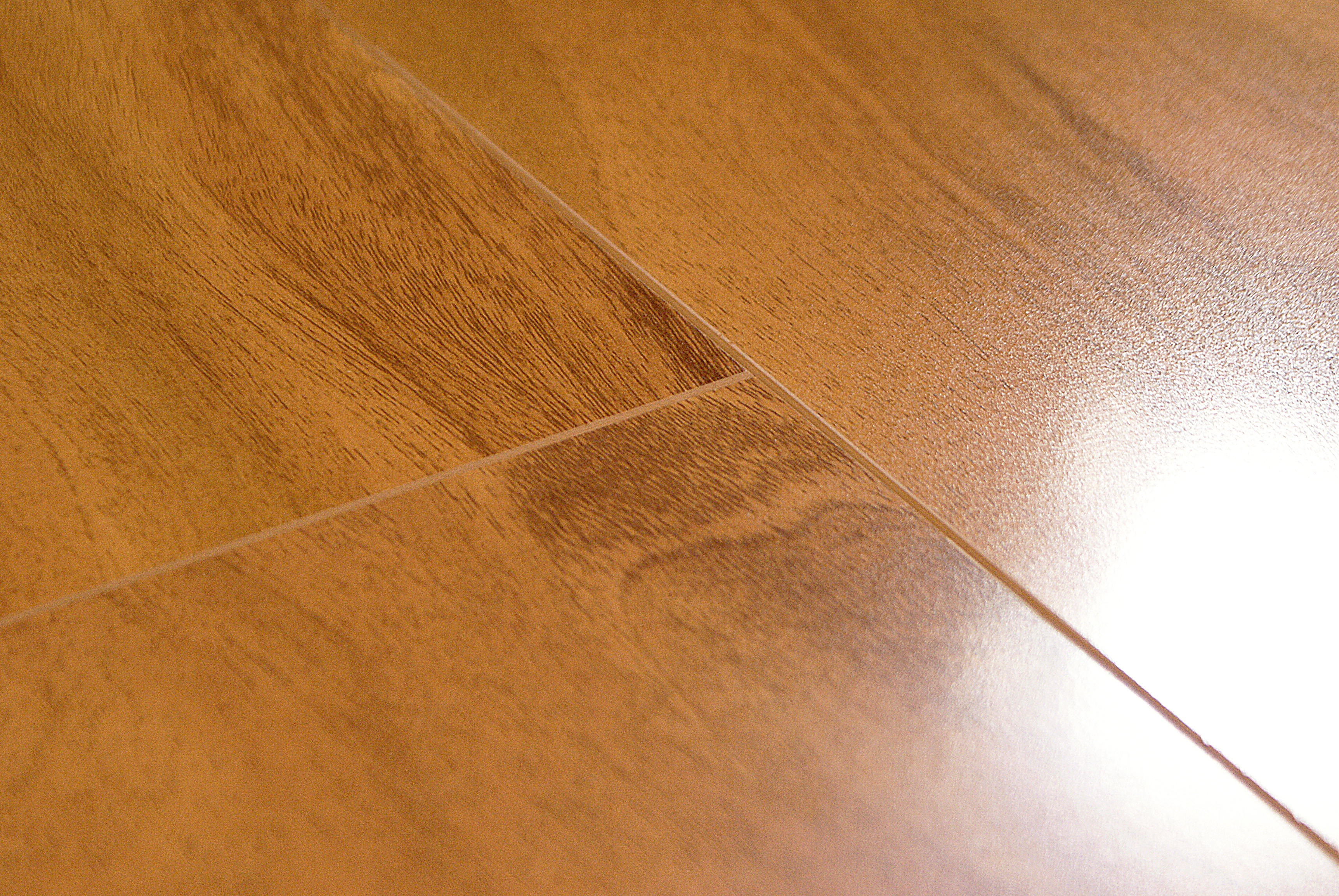 Parkay gloss birch 12 3 mm masters building products for Parkay laminate flooring